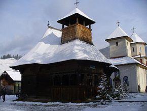 Biserica_de_lemn_din_Broşteni
